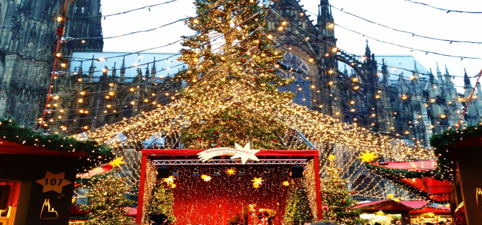 Europe\'s 5 Best Christmas Markets: Travel bloggers tell all ...